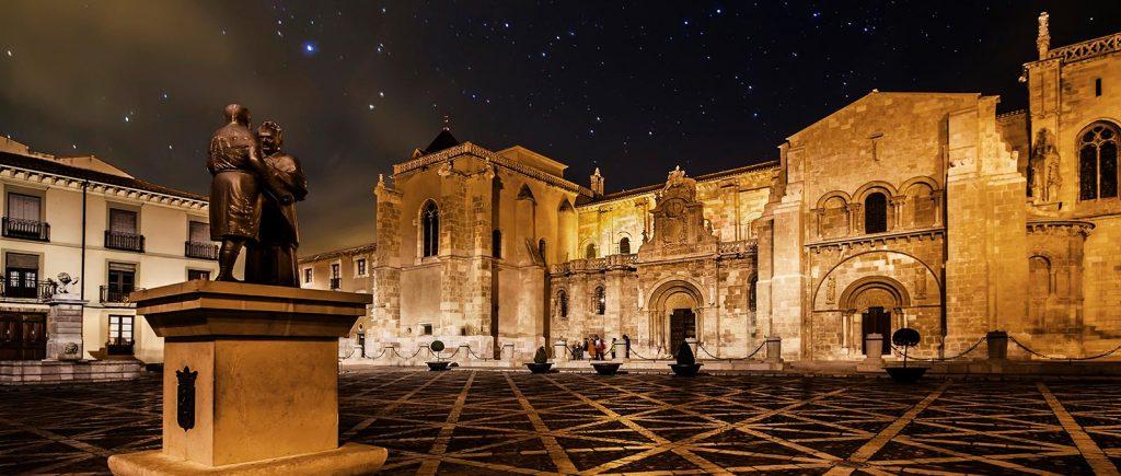 Claustro de la Real Colegiata de San Isidoro (León)