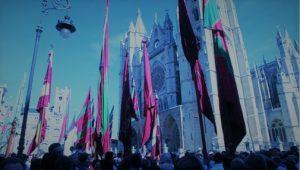 desfile de pendones fiesta San Froilán León